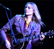 Aimee Mann - booking information