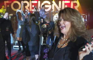 Foreigner - booking information
