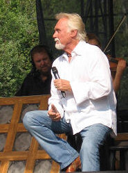 Kenny Rogers - photo by Richard De La Font - booking information