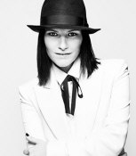 Laura Pausini - booking information